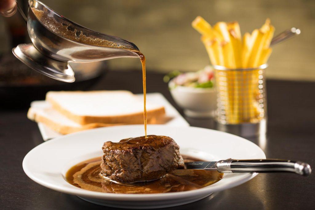 Specialty Biefstuk van de Haas Tenderloin Steak vom Hasen Brasserie Palace Promenade Scheveningen